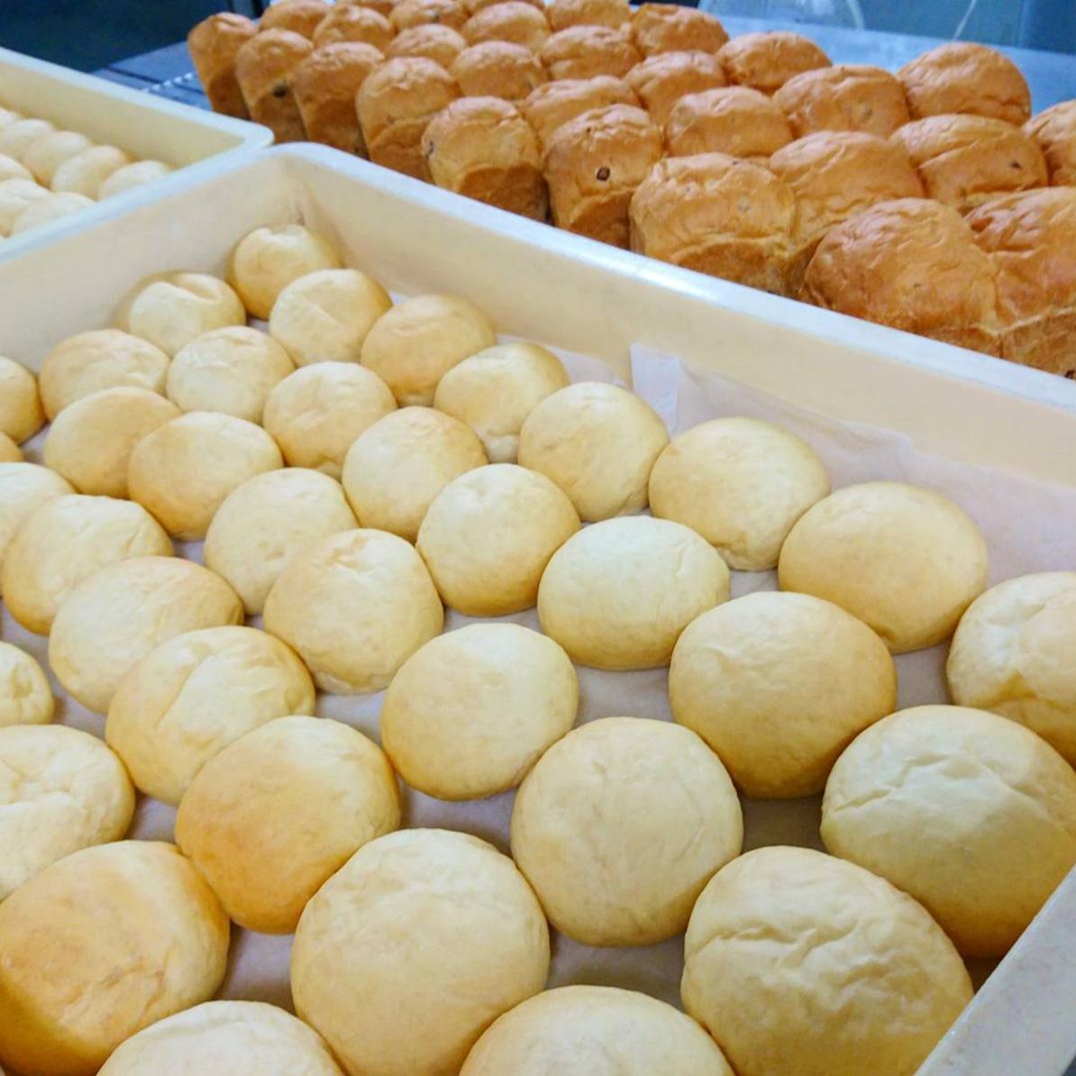 手作り焼きたてパン